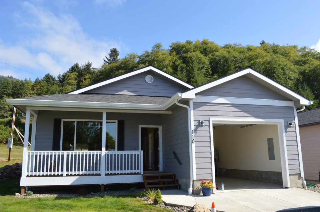Garibaldi spec home complete tillamook home builder for Spec home building