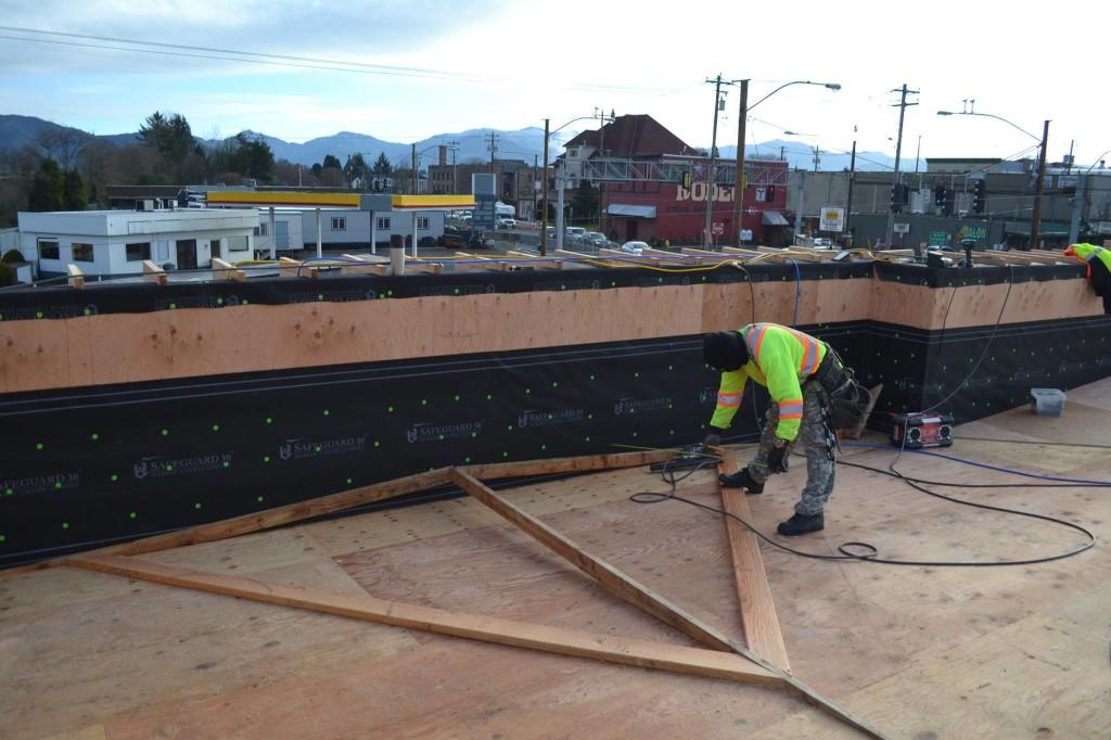 Commercial Construction Progresses U2013 Americau0027s Mattress Store Roof